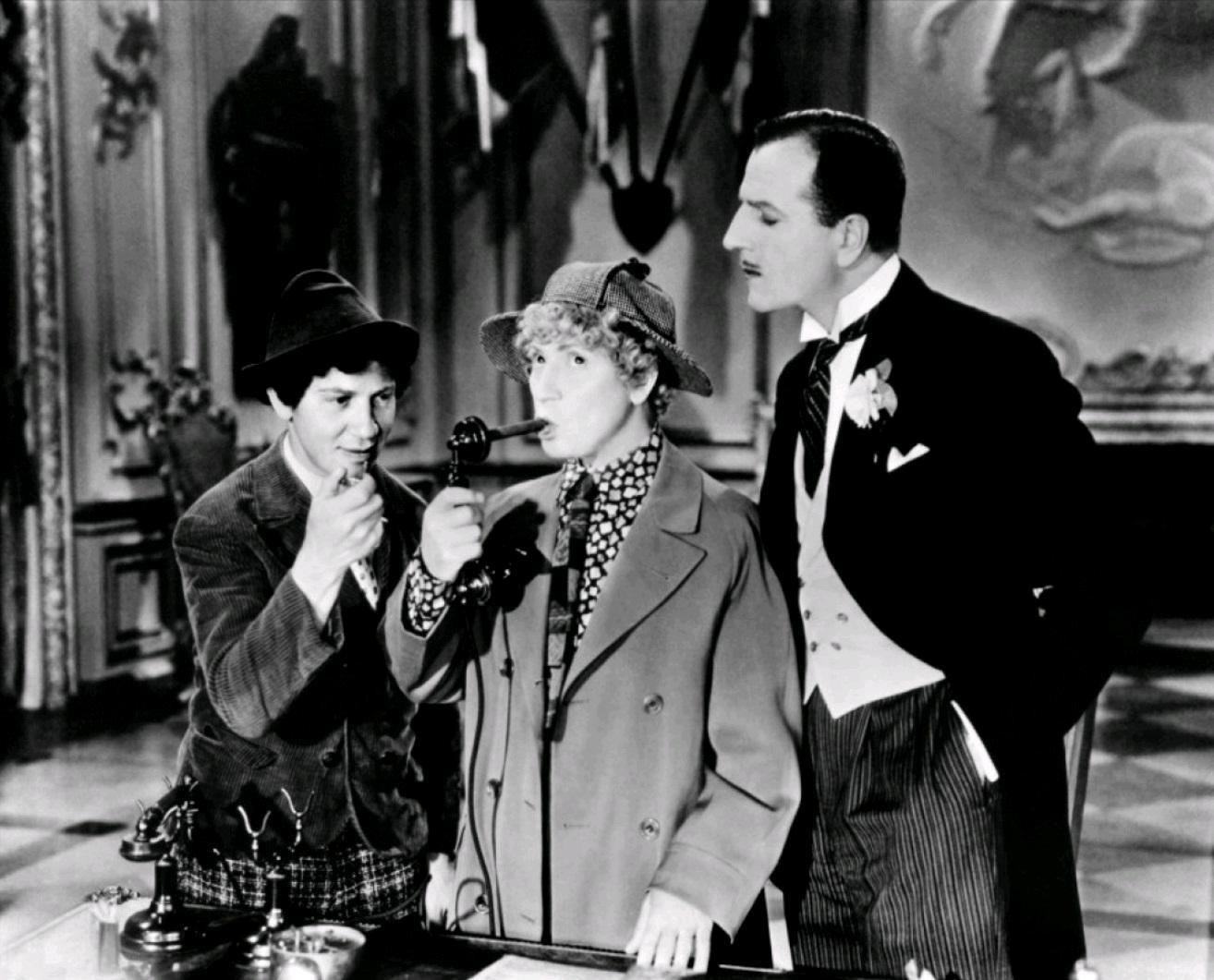 Luchshie-filmyi-v-retsenziyah-Utinyiy-sup-Duck-Soup-1933-3